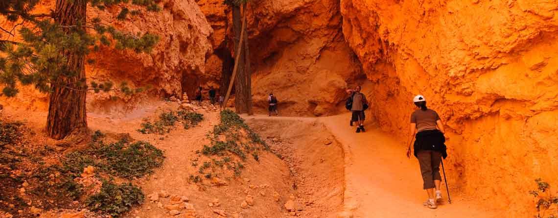 slider-Utah-hikers